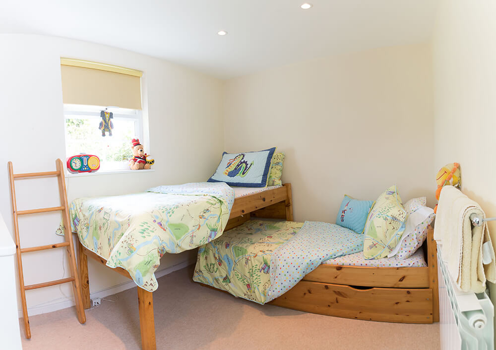 Rosebud children room